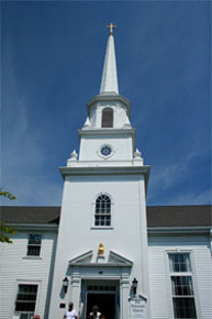 steeple on federated church in hyannis